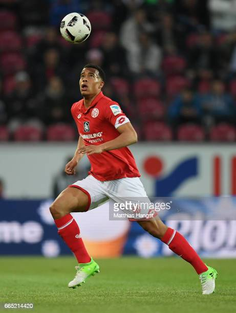 Robin Quaison of Mainz controls the ball during the Bundesliga match between 1 FSV Mainz 05 and RB Leipzig at Opel Arena on April 5 2017 in Mainz...