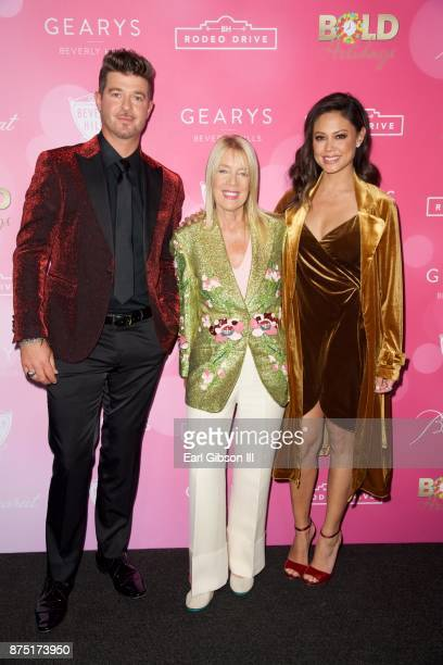 Robin Thicke Mayor of Beverly Hills Lili Bosse and Vanessa Lachey attend the Rodeo Drive Holiday Lighting Celebration on November 16 2017 in Beverly...
