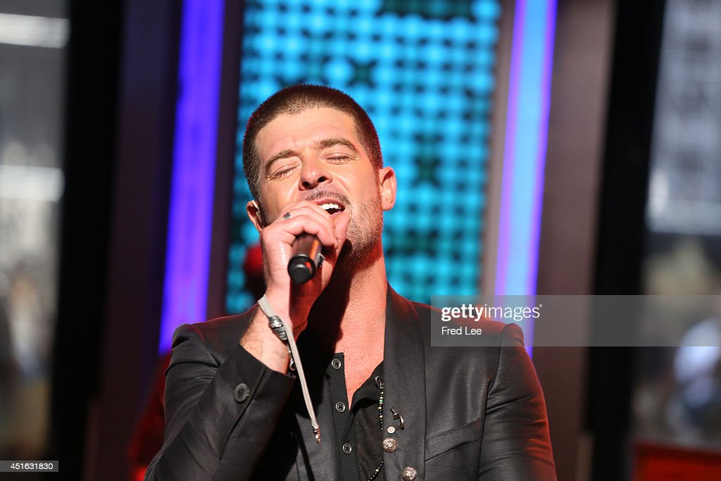 AMERICA - Robin Thicke performs live on 'Good Morning America,' 7/2/14, airing on the ABC Television Network.