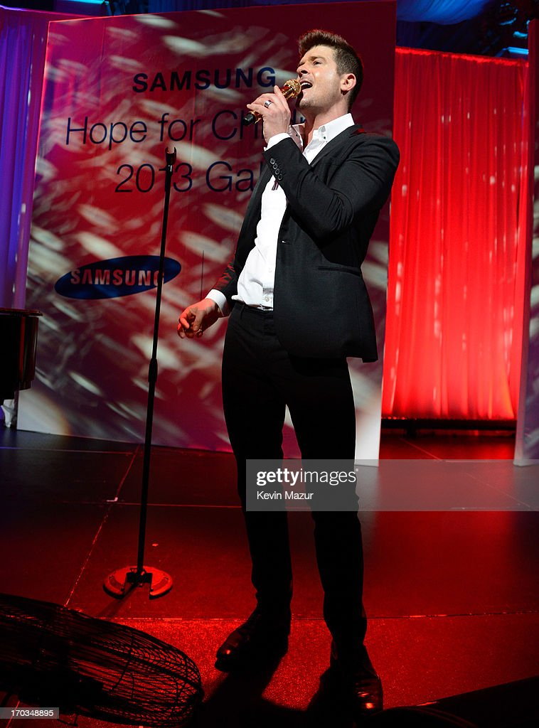 Robin Thicke performs on stage during the Samsung's Annual Hope for Children Gala at CiprianiÕs in Wall Street on June 11, 2013 in New York City.