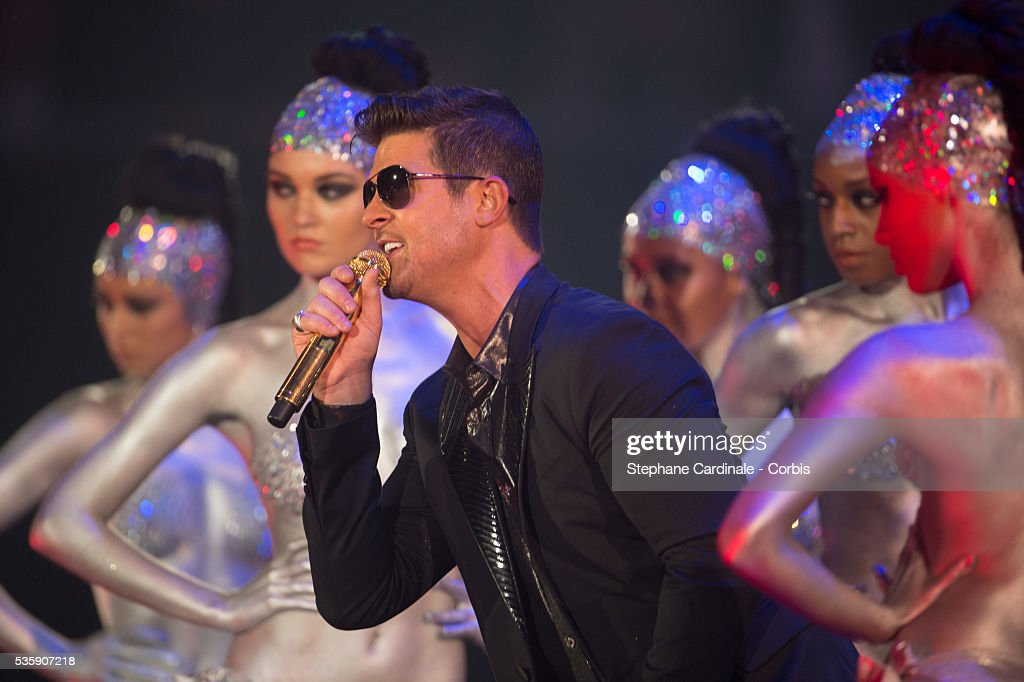Robin Thicke performs onstage during the MTV EMA's 2013 at the Ziggo Dome in Amsterdam, Netherlands.