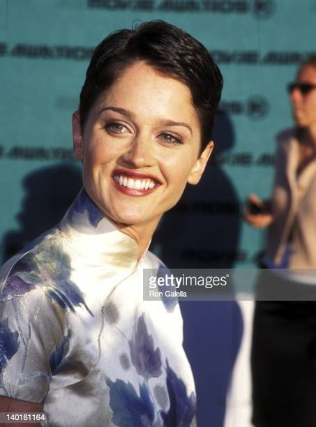 Robin Tunney at the 7th Annual MTV Movie Awards The Barker Hangar at Santa Monica Air Center Santa Monica