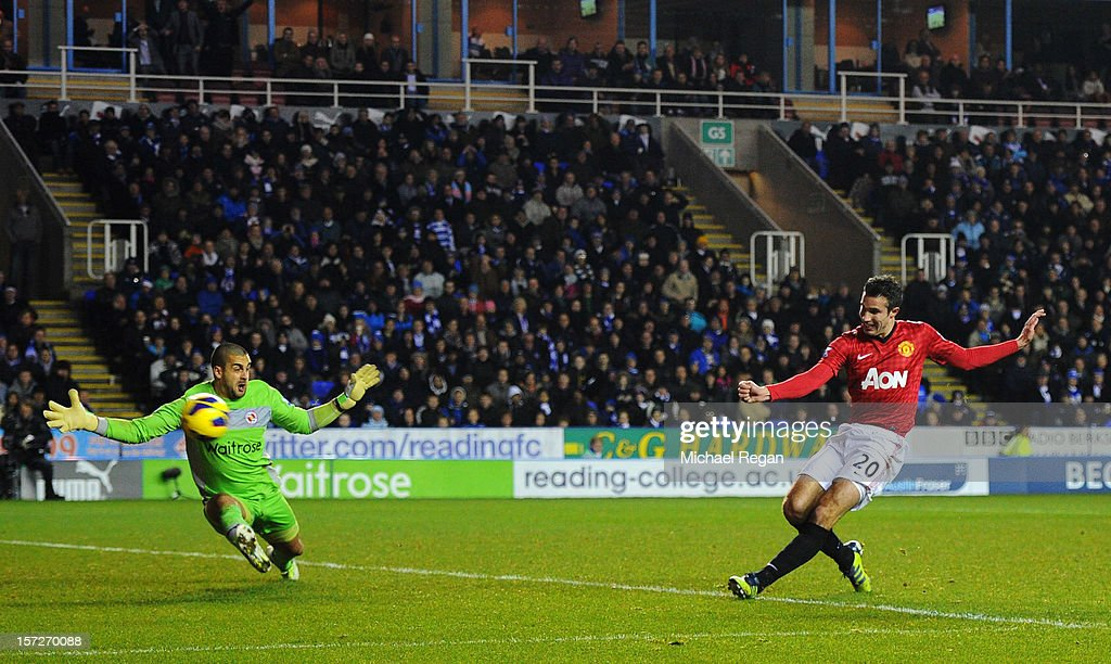 Robin van Persie of Manchester United misses a goal against Adam Federici of Reading during the Barclays Premier League match between Reading and Manchester United at Madejski Stadium on December 1, 2012 in Reading, England.