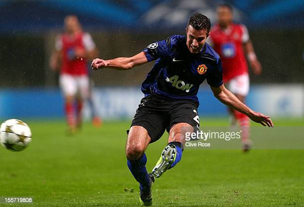 Robin van Persie of Manchester United scores during the UEFA Champions League Group H match between SC Braga and Manchester United at the Estadio AXA...