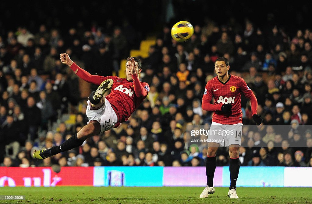 Robin van Persie of Manchester United shoots towards goal during the Barclays Premier League match between Fulham and Manchester United at Craven Cottage on February 2, 2013 in London, England.