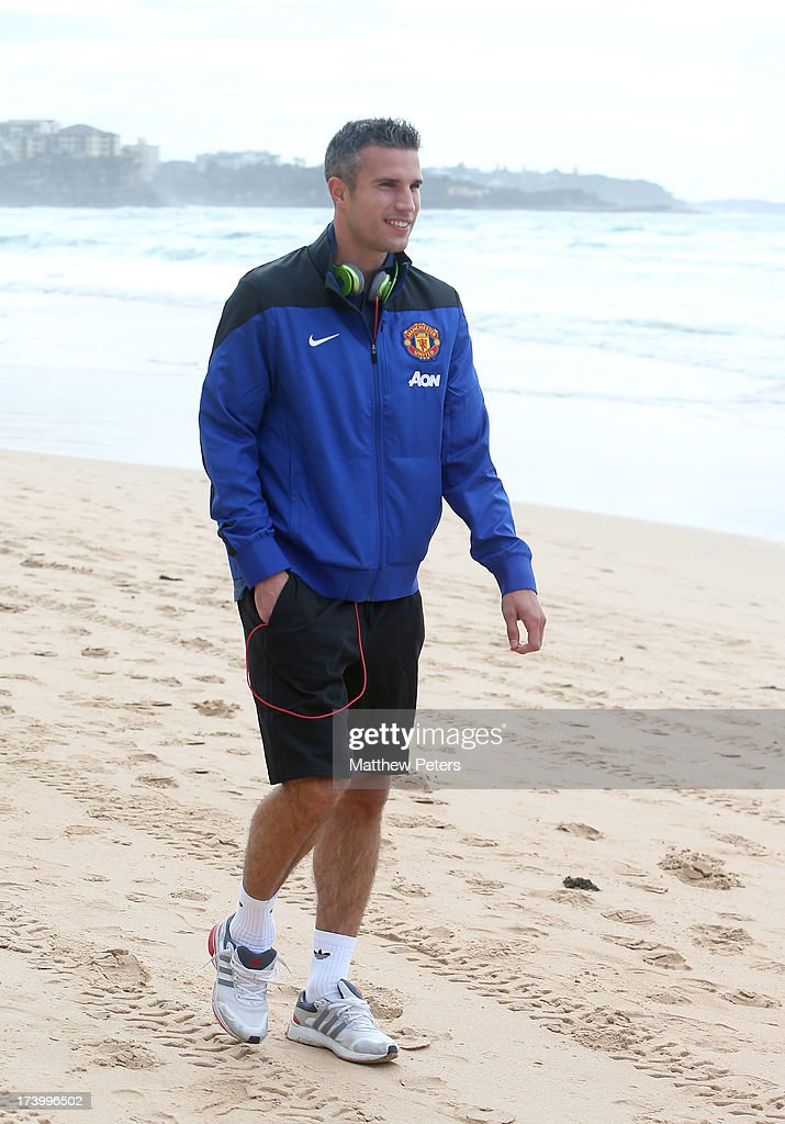 Robin van Persie of Manchester United visits Manley Beach as part of their pre-season tour of Bangkok, Australia, China, Japan and Hong Kong on July 19, 2013 in Sydney, Australia.