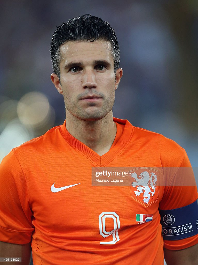Robin Van Persie of Netherlands during the international friendly match between Italy and Nethrerlands at Stadio San Nicola on September 4 2014 in...