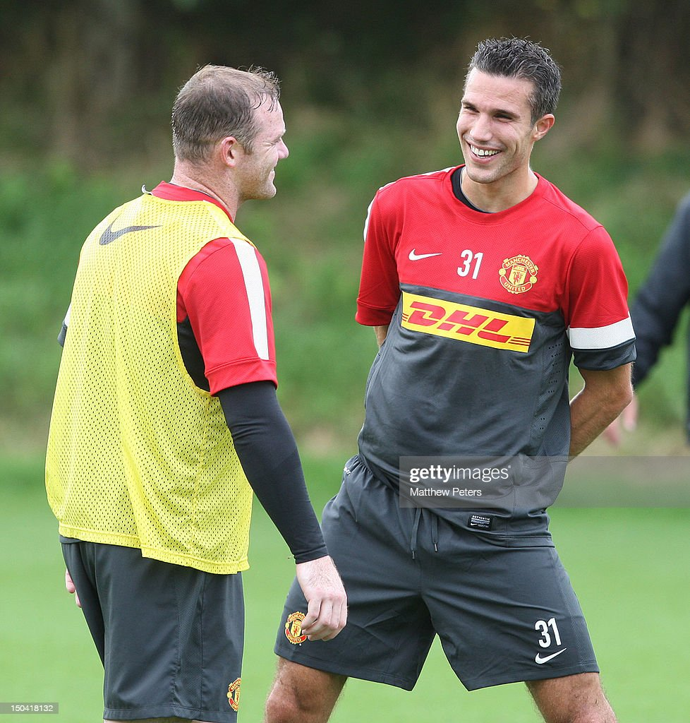 Robin Van Persie Signs For Manchester United FC s and