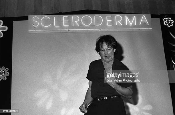 Robin Williams performs for the Scleroderma Foundation's third fundraising dinner on June 11 1991 at the Loews Santa Monica Beach Hotel in Santa...