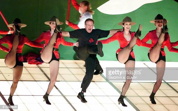 Robin Williams performs the song 'Blame Canada' a song nominated for Best Original Song during the 72nd Academy Awards 26 March 2000 at the Shrine...