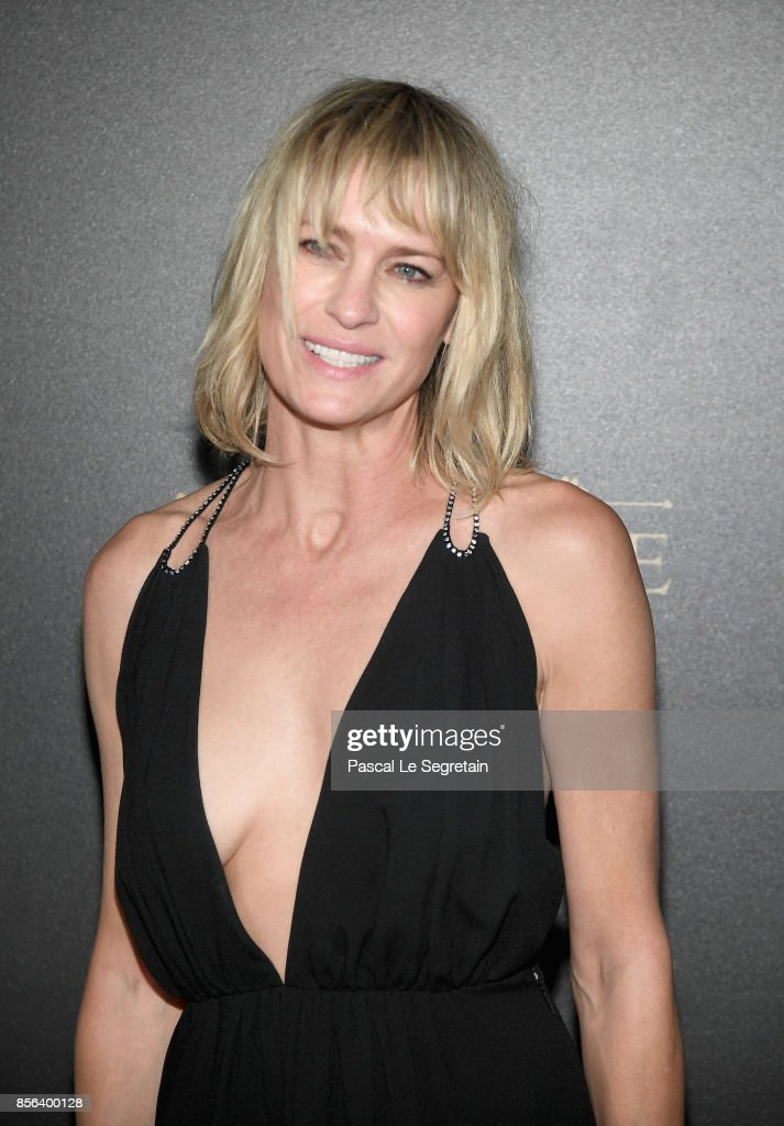 Robin Wright attends the Vogue Party as part of the Paris Fashion Week Womenswear Spring/Summer 2018 at Le Petit Palais on October 1, 2017 in Paris, France.