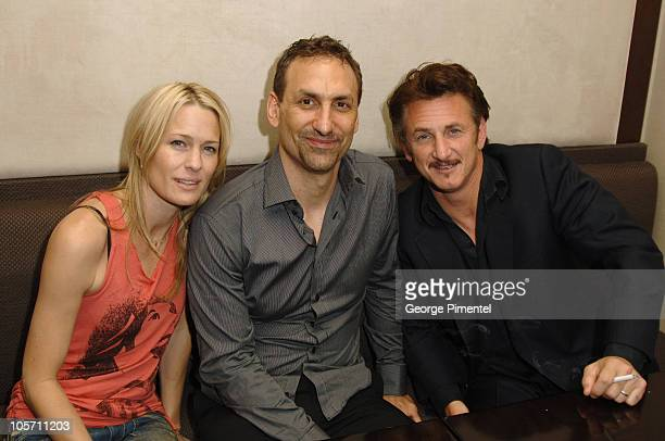 Robin Wright Penn Jeff Stanzler director and Sean Penn
