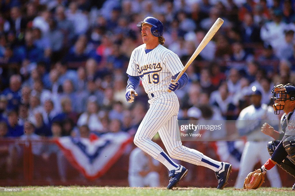 robin-yount-of-the-milwaukee-brewers-bat