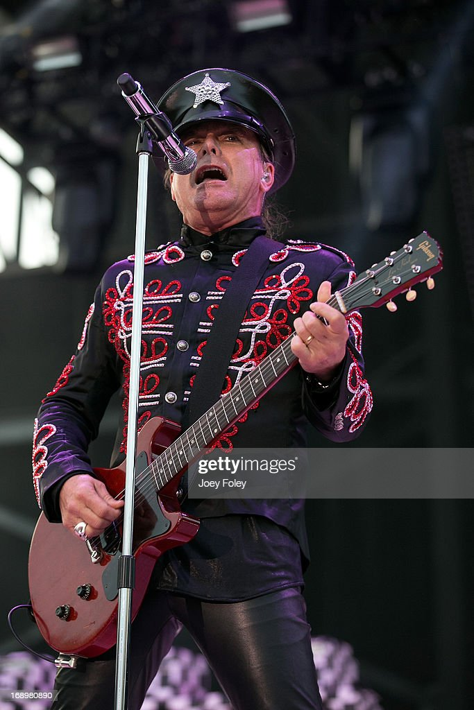 Robin Zander of Cheap Trick performs during 2013 Rock On The Range at Columbus Crew Stadium on May 17, 2013 in Columbus, Ohio.