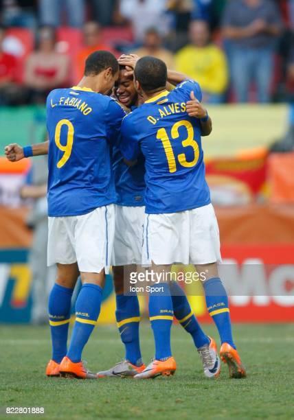 Robinho / Luis Fabiano / DANI ALVES Bresil / Pays Bas 1/4 de Finale de la Coupe du Monde 2010 Port Elizabeth Afrique du Sud