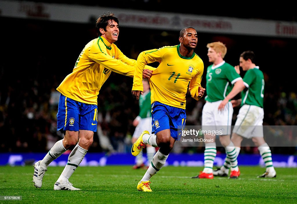 Robinho of Brasil celebrates his goal with Kaka during the International Friendly match between Republic of Ireland and Brazil played at Emirates...