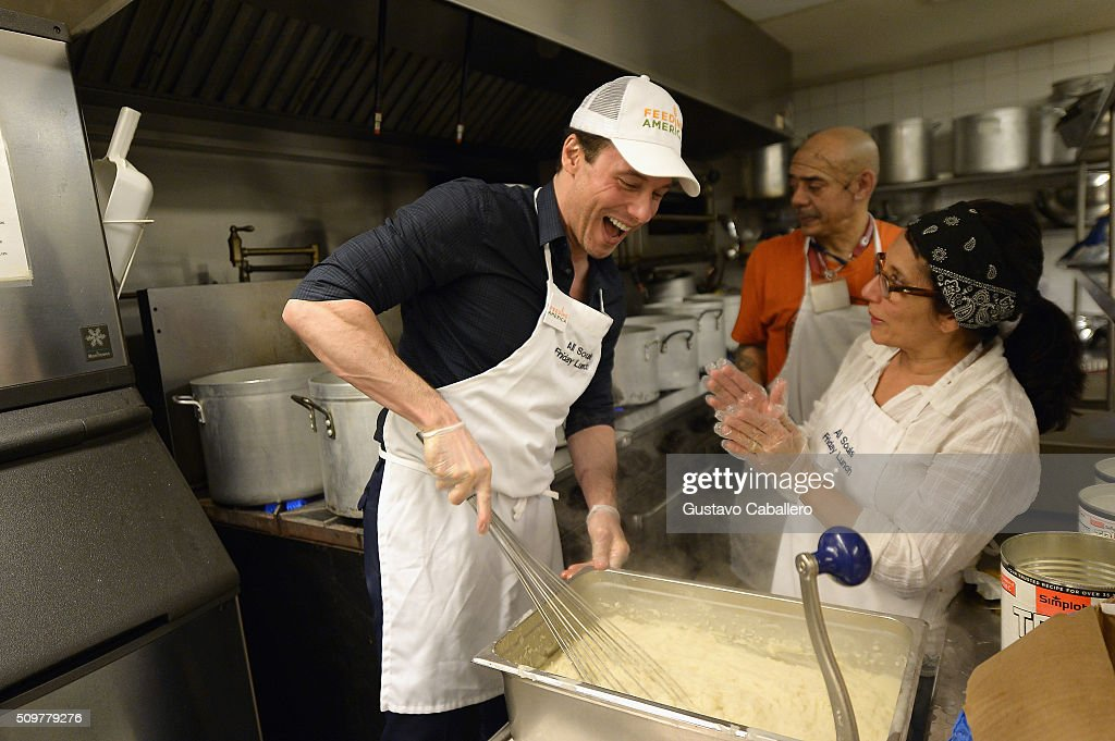 <a gi-track='captionPersonalityLinkClicked' href=/galleries/search?phrase=Rocco+DiSpirito&family=editorial&specificpeople=211557 ng-click='$event.stopPropagation()'>Rocco DiSpirito</a> and <a gi-track='captionPersonalityLinkClicked' href=/galleries/search?phrase=Karolina+Kurkova&family=editorial&specificpeople=202513 ng-click='$event.stopPropagation()'>Karolina Kurkova</a> attands the Feeding America's Pledge To Volunteer Event At All Souls Friday Soup Kitchen on February 12, 2016 in New York City.