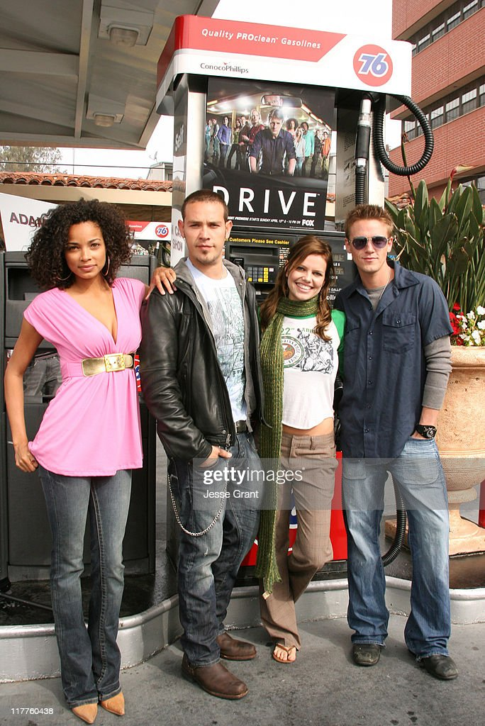 Rochelle Aytes Kevin Alejandro Mircea Monroe and Riley Smith