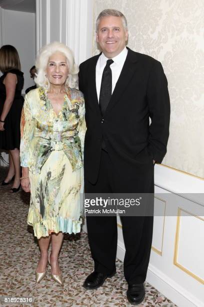 Rochelle Slovin and Phil Kent attend MUSEUM Of The MOVING IMAGE Dinner In Honor Of KATIE COURIC And PHIL KENT at St Regis Hotel on May 5 2010 in New...