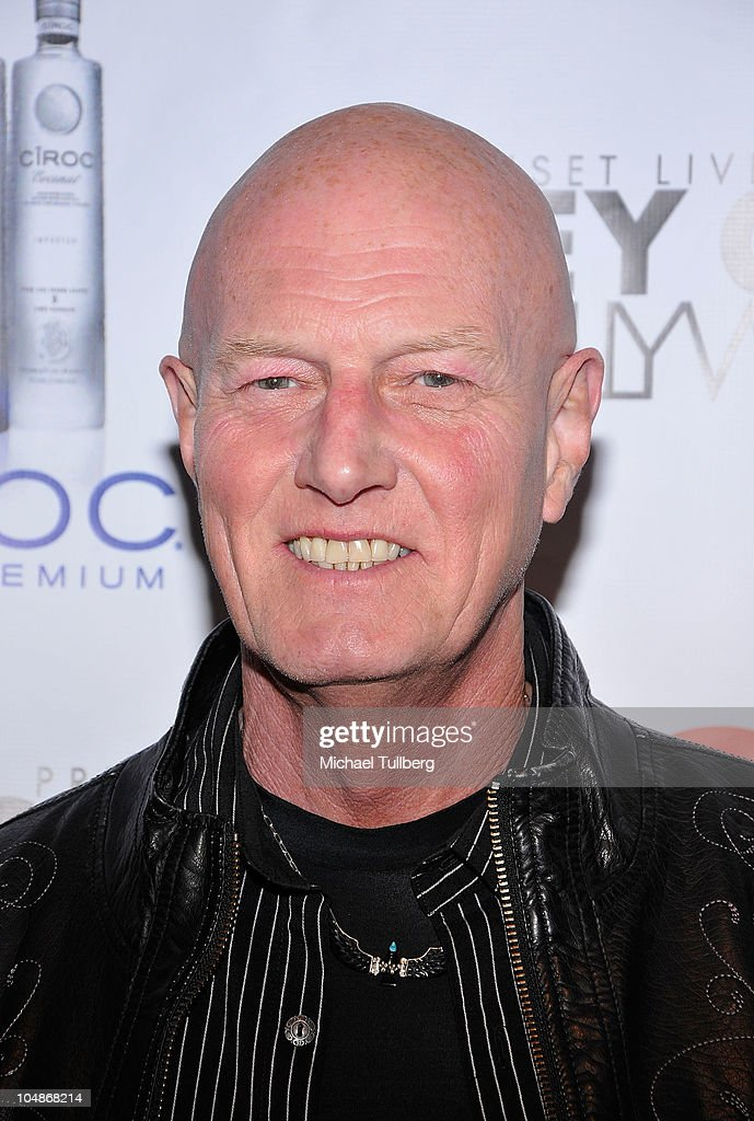Rock drummer Chris Slade arrives at the premiere party for VH1 Classic's 'Rock 'N' Roll Fantasy Camp' TV show on October 5, 2010 in Los Angeles, California.