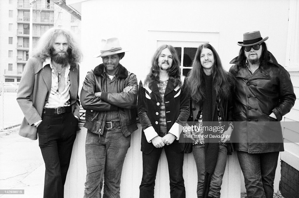 Rock group The Doobie Brothers (L-R Michael Hossack, Tiran Porter, <a gi-track='captionPersonalityLinkClicked' href=/galleries/search?phrase=Tom+Johnston&family=editorial&specificpeople=6487183 ng-click='$event.stopPropagation()'>Tom Johnston</a>, <a gi-track='captionPersonalityLinkClicked' href=/galleries/search?phrase=Patrick+Simmons&family=editorial&specificpeople=3533796 ng-click='$event.stopPropagation()'>Patrick Simmons</a>, John Hartman) pose for a portrait on April 12, 1973 in New York City, New York.