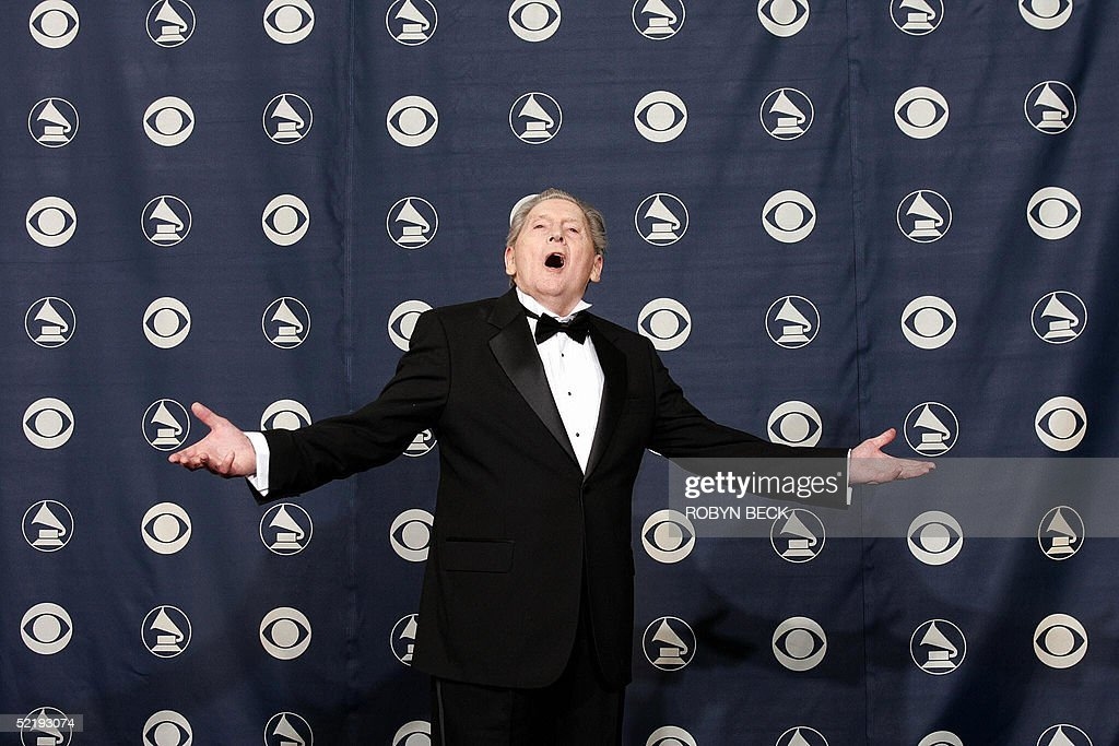 US rock legend Jerry Lee Lewis pose after recieving a Lifetime Achievement Award at the 47th Annual Grammy Awards in Los Angeles, CA 13 February 2005. AFP PHOTO / ROBYN BECK