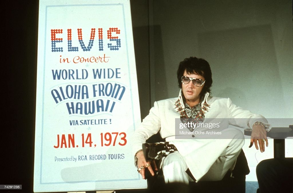 Rock 'n' Roll star <a gi-track='captionPersonalityLinkClicked' href=/galleries/search?phrase=Elvis+Presley&family=editorial&specificpeople=67209 ng-click='$event.stopPropagation()'>Elvis Presley</a> holds a press conference at the Las Vegas Hilton Hotel to announce his upcoming concert 'Aloha from Hawaii' (which will be broadcast via satellite in January 1973) on September 4, 1972 in Las Vegas, Nevada.