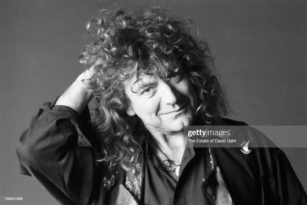 Rock Singer <a gi-track='captionPersonalityLinkClicked' href=/galleries/search?phrase=Robert+Plant&family=editorial&specificpeople=211368 ng-click='$event.stopPropagation()'>Robert Plant</a> poses for a portrait in April 1990 in, New York City, New York.