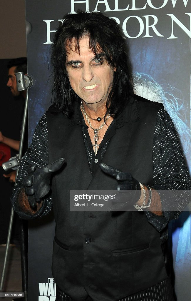 Rock star <a gi-track='captionPersonalityLinkClicked' href=/galleries/search?phrase=Alice+Cooper&family=editorial&specificpeople=202989 ng-click='$event.stopPropagation()'>Alice Cooper</a> arrives for Universal Studios Hollywood 'Halloween Horror Night' and Eye Gore Awards Kick Off Party held at Universal Studios Hollywood on September 21, 2012 in Universal City, California.