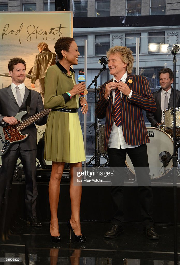 AMERICA - Rock star Rod Stewart performs live on GOOD MORNING AMERICA, 5/9/13, airing on the ABC Television Network. (Photo by Ida Mae Astute/ABC via Getty Images) ROBIN