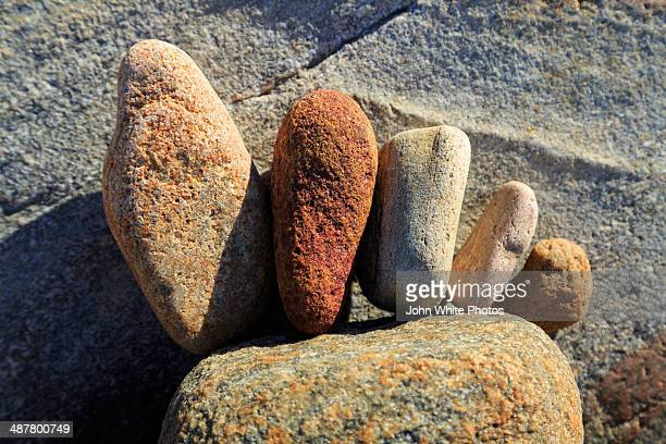 Rocks in the shape of toes and a foot.