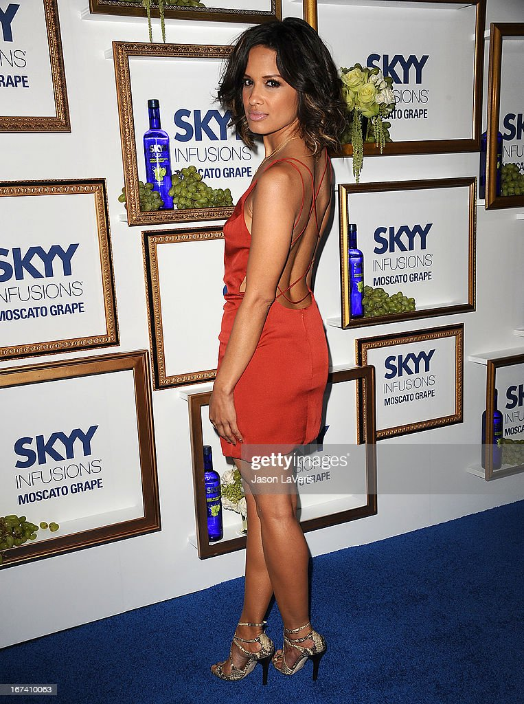 <a gi-track='captionPersonalityLinkClicked' href=/galleries/search?phrase=Rocsi&family=editorial&specificpeople=747177 ng-click='$event.stopPropagation()'>Rocsi</a> Diaz attends the House Of Moscato launch party at Greystone Manor Supperclub on April 24, 2013 in West Hollywood, California.