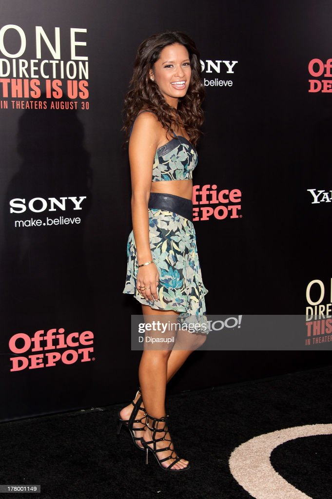 <a gi-track='captionPersonalityLinkClicked' href=/galleries/search?phrase=Rocsi&family=editorial&specificpeople=747177 ng-click='$event.stopPropagation()'>Rocsi</a> Diaz attends the New York premiere of 'One Direction: This Is Us' at the Ziegfeld Theater on August 26, 2013 in New York City.