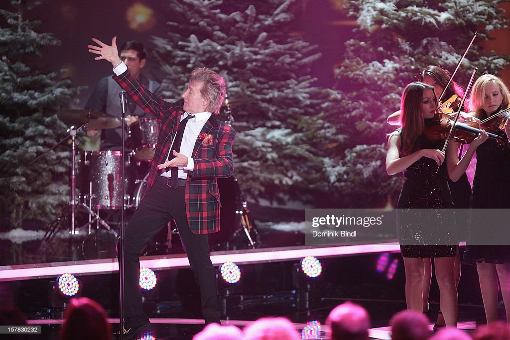 <a gi-track='captionPersonalityLinkClicked' href=/galleries/search?phrase=Rod+Stewart&family=editorial&specificpeople=160467 ng-click='$event.stopPropagation()'>Rod Stewart</a> attends 'Die Schoensten Weihnachtshits Mit Carmen Nebel' Show on December 6, 2012 in Munich, Germany.