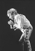 Rod Stewart in action at his concert in the RDS September 1986 986429 Photographer Michael MacSweeney