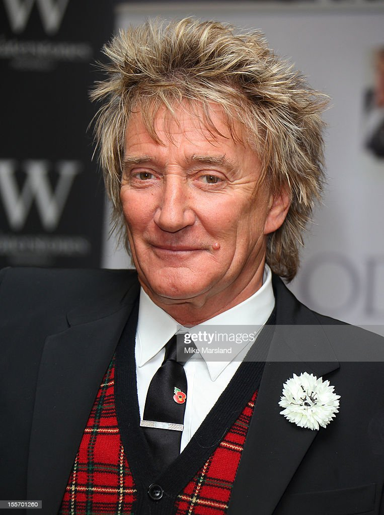 Rod Stewart meets fans and signs copies of his book 'Rod: The Autiobiography' at Waterstone's, Piccadilly on November 7, 2012 in London, England.