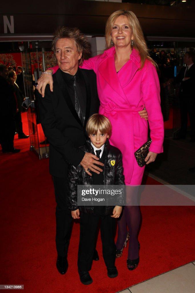 """Royal Film Performance 2011 - """"Hugo"""" in 3D - Inside Arrivals"""
