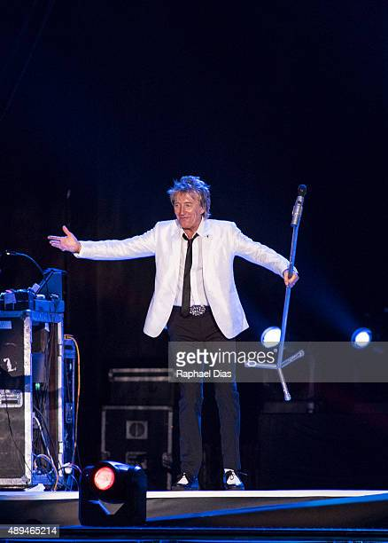 Rod Stewart performs at 2015 Rock in Rio on September 20 2015 in Rio de Janeiro Brazil