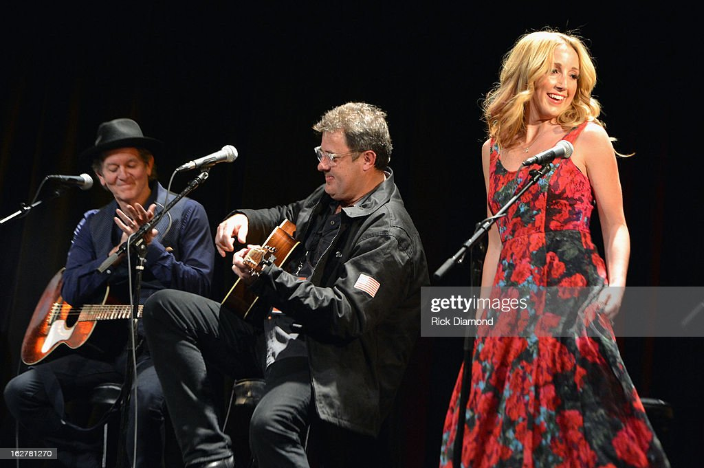 <a gi-track='captionPersonalityLinkClicked' href=/galleries/search?phrase=Rodney+Crowell&family=editorial&specificpeople=653146 ng-click='$event.stopPropagation()'>Rodney Crowell</a>, <a gi-track='captionPersonalityLinkClicked' href=/galleries/search?phrase=Vince+Gill&family=editorial&specificpeople=215309 ng-click='$event.stopPropagation()'>Vince Gill</a> and Ashley Monroe perform during the All For the Hall New York concert benefiting the Country Music Hall of Fame at Best Buy Theater on February 26, 2013 in New York City.