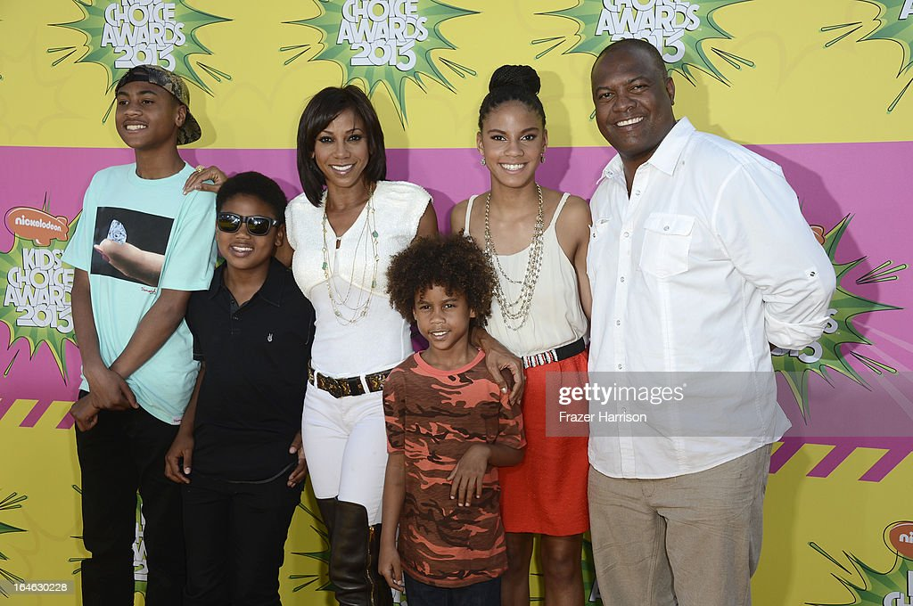 Rodney Peete Jr., Robinson Peete, Holly Robinson Peete, Roman Peete, Ryan Peete and Rodney Peete attend Nickelodeon's 26th Annual Kids' Choice Awards at USC Galen Center on March 23, 2013 in Los Angeles, California.