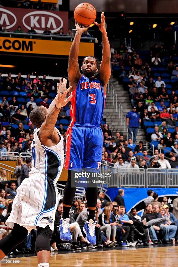 Rodney Stuckey #3 of the Detroit Pistons shoots against Jameer Nelson #14 of the Orlando Magic on November 21, 2012 at Amway Center in Orlando, Florida.