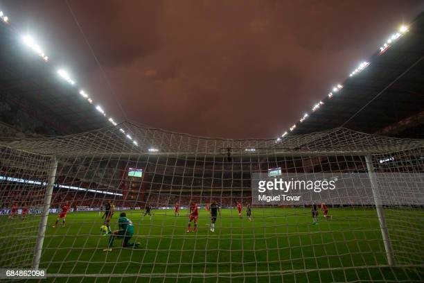 Rodolfo Cota goalkeeper of Chivas blocks a shot during the semifinals first leg match between Toluca and Chivas as part of the Torneo Clausura 2017...