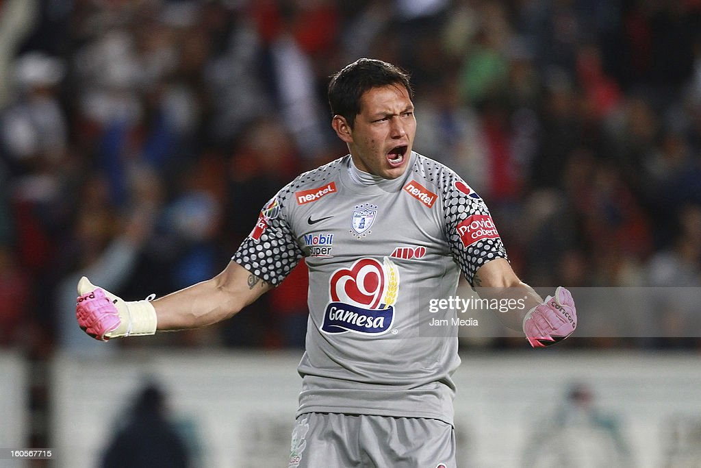 Rodolfo Cota of Pachuca celebrates a scored goal against Toluca during the Clausura 2013 Liga MX at Hidalgo Stadium on february 2, 2013 in Pachuca, Mexico.
