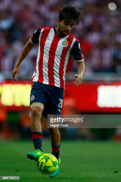 Rodolfo Pizarro of Chivas drives the ball during the semi final second leg match between Chivas and Toluca as part of the Torneo Clausura 2017 Liga...