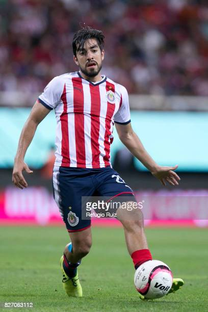 Rodolfo Pizarro of Chivas drives the ball during the third round match between Chivas and Necaxa as part of the Torneo Apertura 2017 Liga MX at...