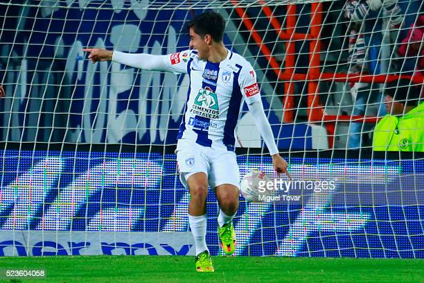 Rodolfo Pizarro of Pachuca scores the tying goal during the 15th round match between Pachuca and Chivas as part of the Clausura 2016 Liga MX at...