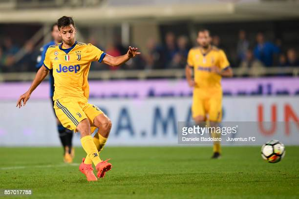 Rodrigo Bentancur during the Serie A match between Atalanta BC and Juventus at Stadio Atleti Azzurri d'Italia on October 01 2017 in Bergamo Italy