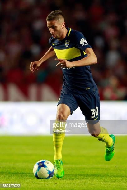 Rodrigo Bentancur of Boca Juniors drives the ball during a match between Estudiantes and Boca Juniors as part of Torneo Primera Division 2016/17 at...
