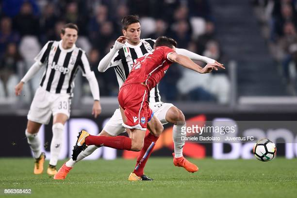 Rodrigo Bentancur of Juventus competes for the ball during the Serie A match between Juventus and Spal on October 25 2017 in Turin Italy