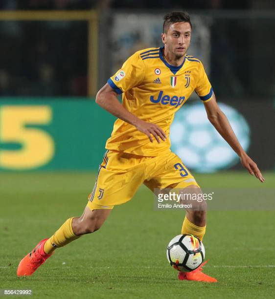 Rodrigo Bentancur of Juventus FC in action during the Serie A match between Atalanta BC and Juventus at Stadio Atleti Azzurri d'Italia on October 1...